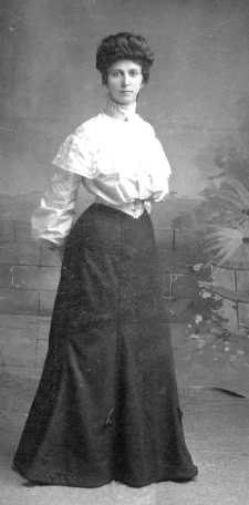 Betty Elizabeth Hogg Thomas.