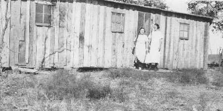 Opal and May Yoho at Breckenridge home in 1920